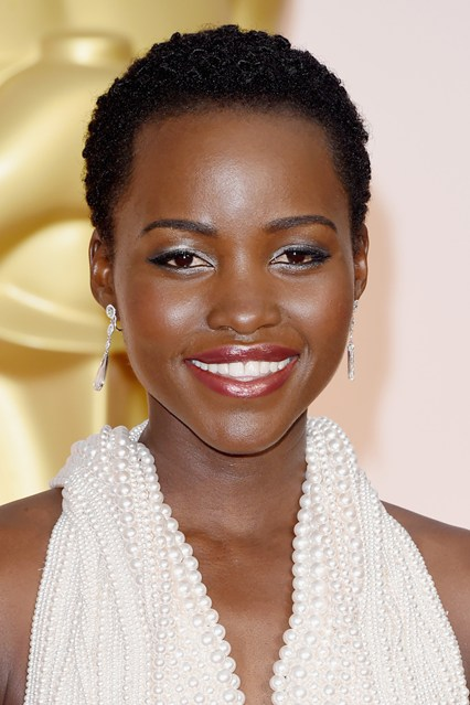 lupita-nyongo-beauty-vogue-22feb15-getty_b_426x639
